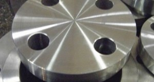Blind pipe flanges