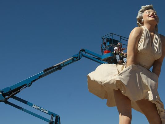 30ft-tall stainless steel Marilyn Monroe statue that took two years to make is left to languish in a Chinese tip